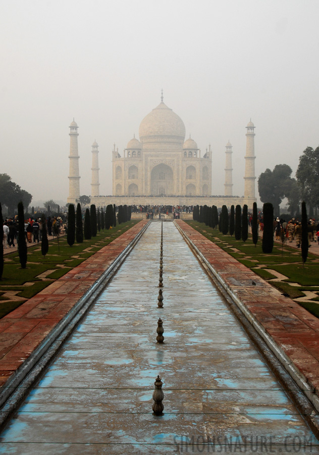 Taj Mahal [26 mm, 1/80 sec at f / 11, ISO 250]