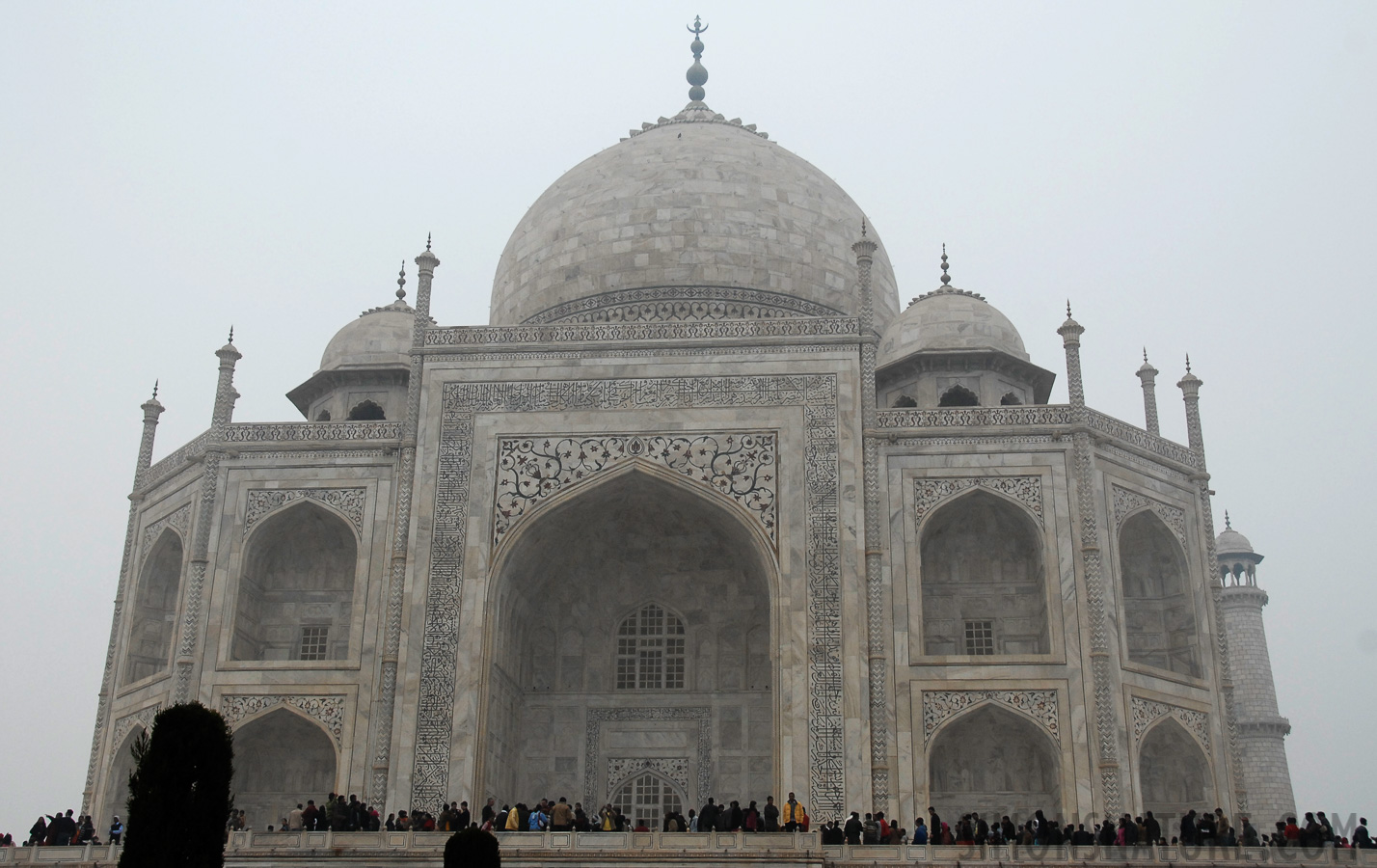 Taj Mahal [24 mm, 1/90 sec at f / 7.1, ISO 400]